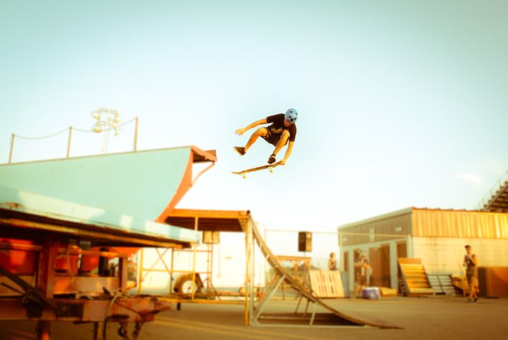 skateboar-1031585__480