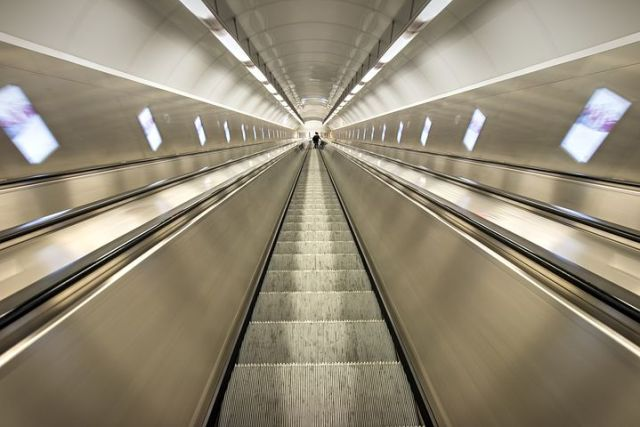 escalator-1845564__480