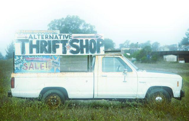 thriftshoptruck